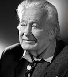 Portrait de Georges Charpak en noir et blanc